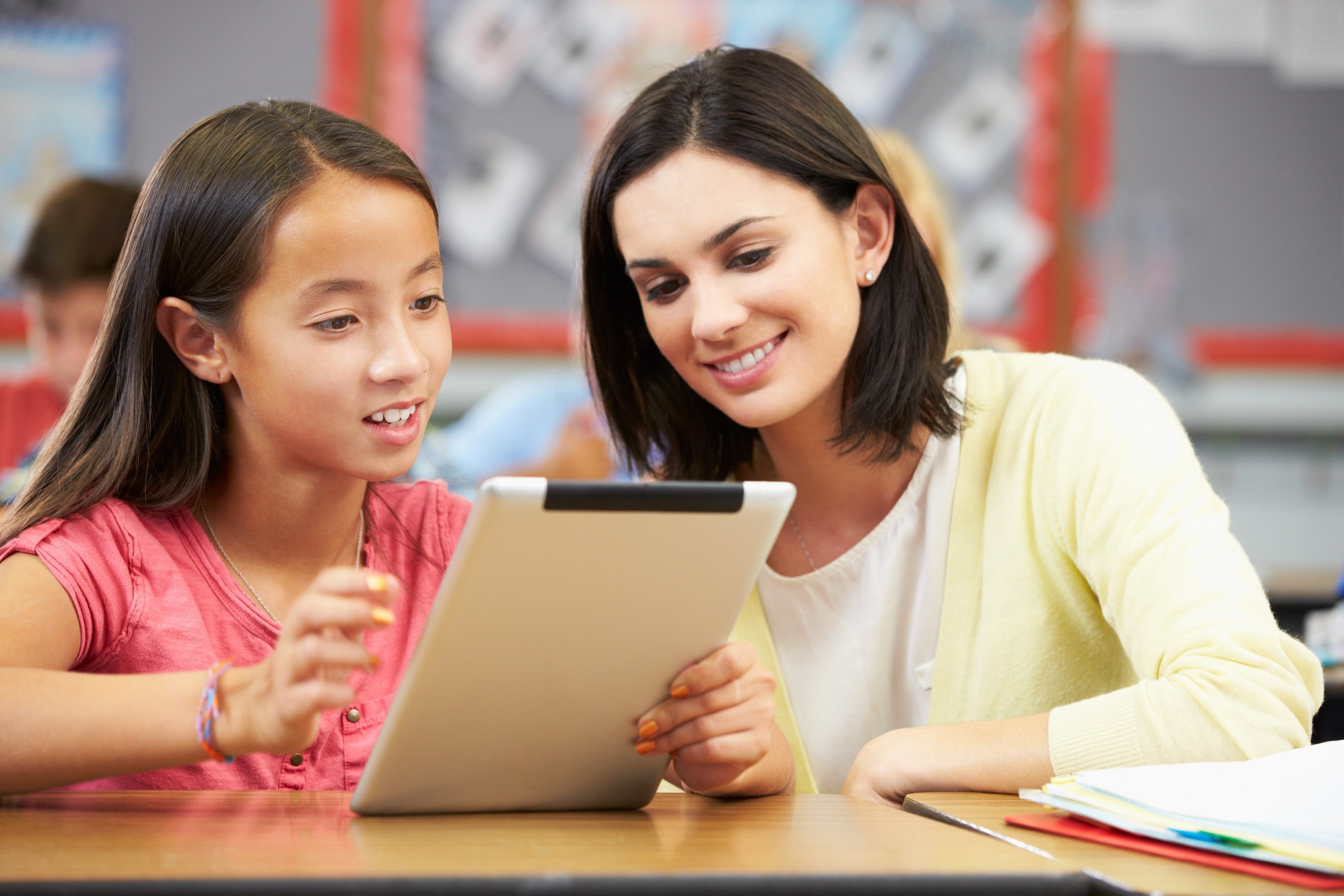 Flipped Classrooms: Transforming Education and Learning